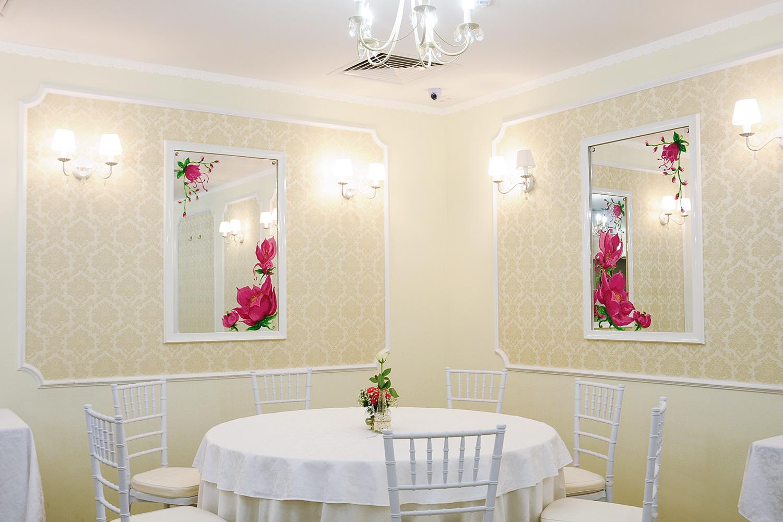 New York — последнее заведение, открытое More Project — задумывался как местный аналог Correa's, но позже решено было переделать ресторан в банкетный зал