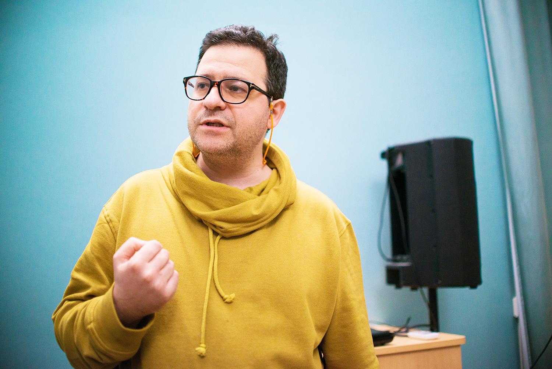 Борис Филановский не только пишет музыку и руководит eNsemble — в институте Pro Arte он еще и последние 10 лет участвует в программе подготовки культурных журналистов