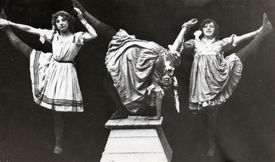 Шоу шоу: 100 лет водевиля, цирка и карнавала смотреть фото