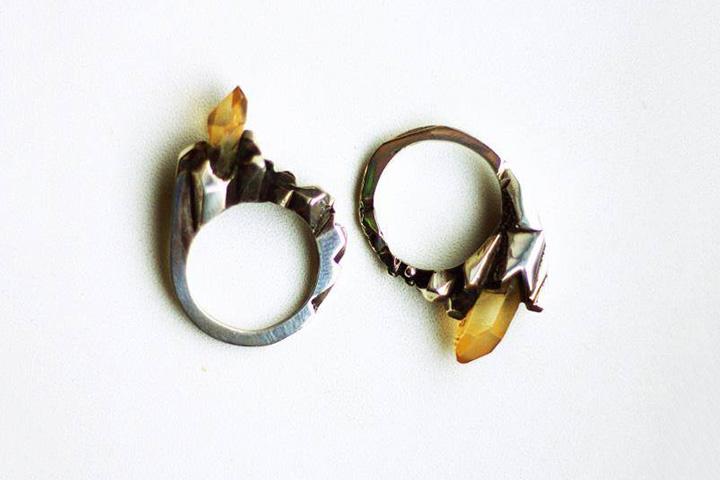 Кольцо с камнем, 3500 р.