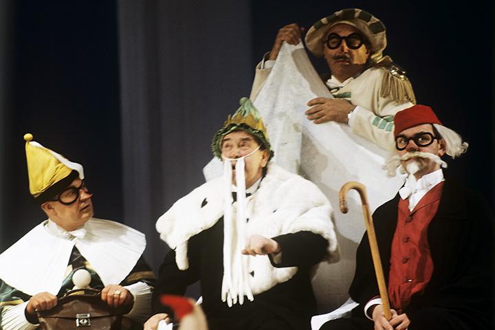 Этуш в постановке «Принцесса Турандот» — естественно, в Театре Вахтангова