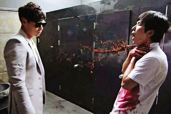 Одна из особенностей «Вампира-прокурора» Мин Тхэ Ёна — демонстрация того, как были убиты найденные жертвы