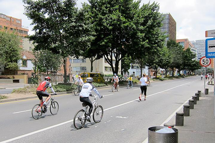 Одно из самых заметных нововведений Пеньялосы — система велодорожек по всему городу