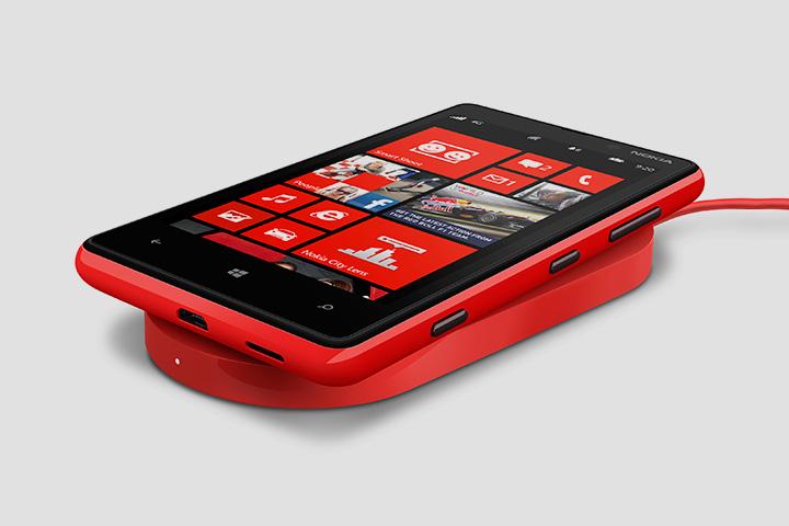 Заряжаться без провода уже умеют некоторые телефоны Nokia