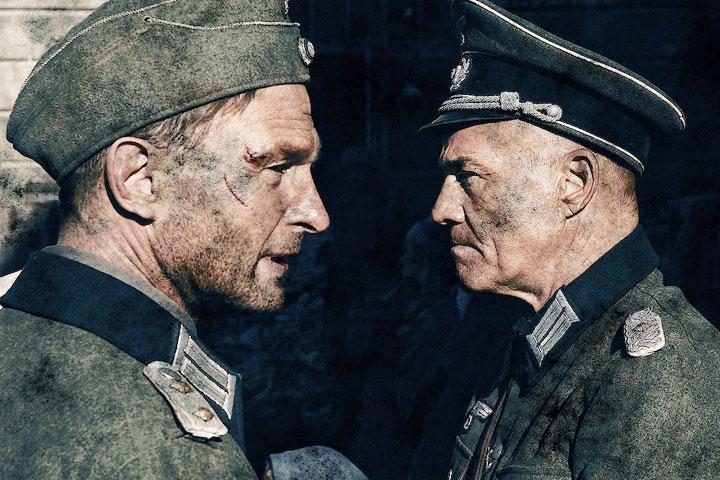 «Сталинград»: капитан Петер Кан (Томас Кречман) со своим командиром-полковником (Хайнер Лаутербах)