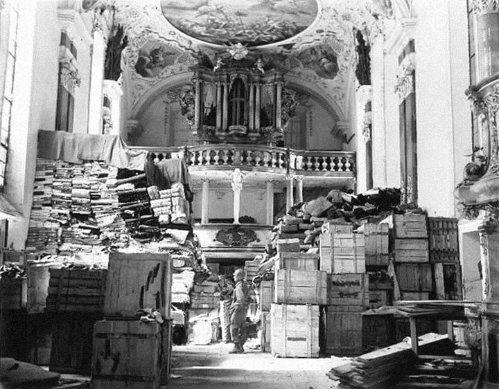 Церковь в Эллинге, превращенная нацистами в склад конфискованных произведений искусства