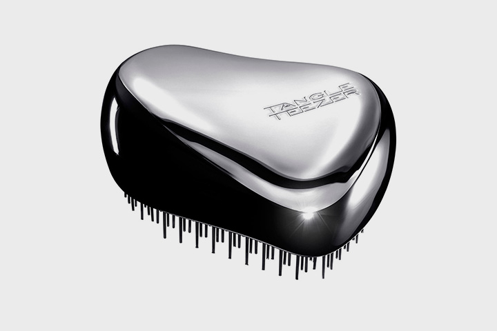 Расческа Tangle Teezer Beloved Limited Edition, 930 р. на сайте www.you-need-it.com, $39,95 на сайте www.tangle-teezer.com