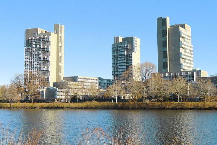 Общежитие «Пибоди-Террэс» в Кембридже было построено в 1964 году по проекту Хосе Луиса Серта