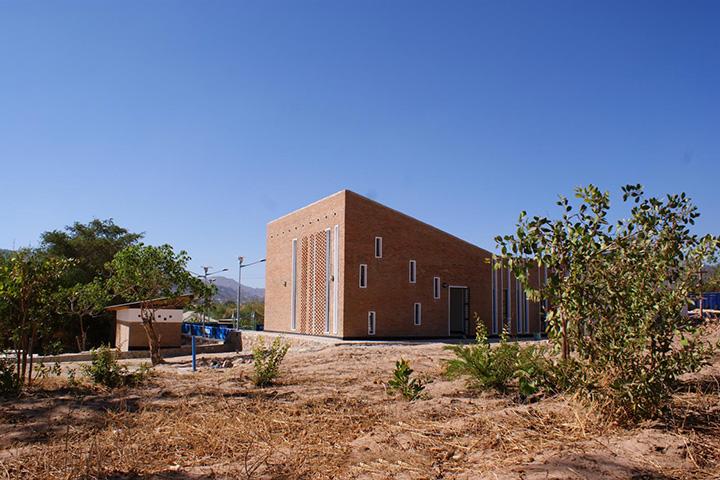 Еще один футбольный центр – на этот раз в Танзании, – совмещающий спортивную и медицинскую функции
