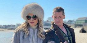 Райан Мерфи показал фото со съемок нового сезона «Американской истории ужасов» с Маколеем Калкиным