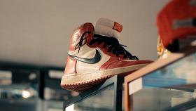 Майкл и его «джорданы» / One Man and His Shoes