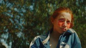 «Кинотавр-2020»: снова русское кино про лихие 90-е, трагедия по мотивам «Норд-Оста» и мелодрама про кинокритиков