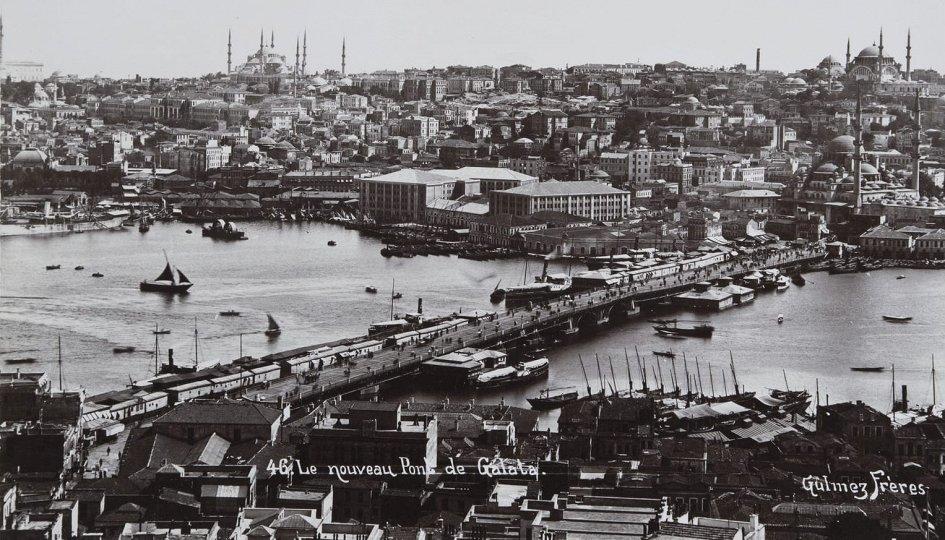 Выставки: Закрыв глаза, я слушаю Стамбул…