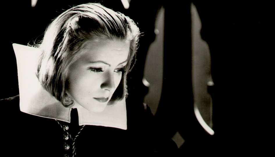 Кино: «Королева Кристина»