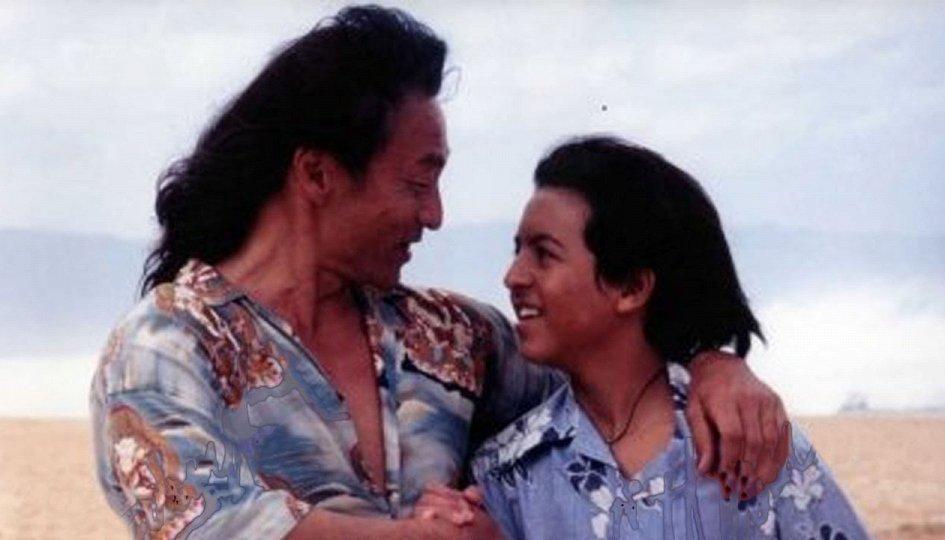 Кино: «Джонни-цунами»
