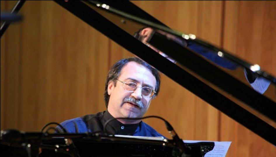 Концерты: Малика Тирольен и трио Даниила Крамера