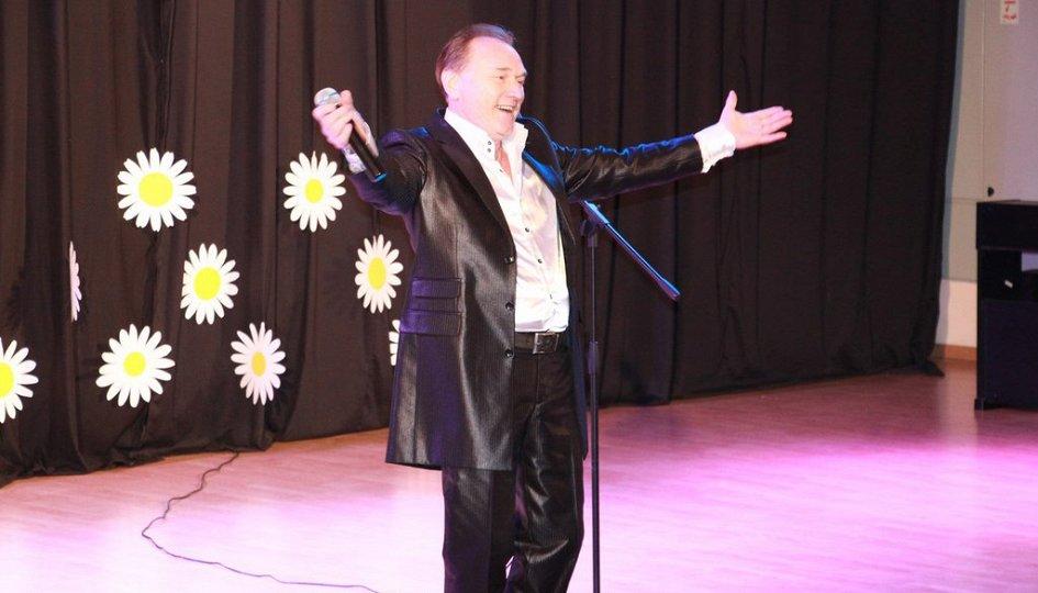 Концерты: «Смех сквозь песни»: Михаил Церишенко, Михаил Вашуков