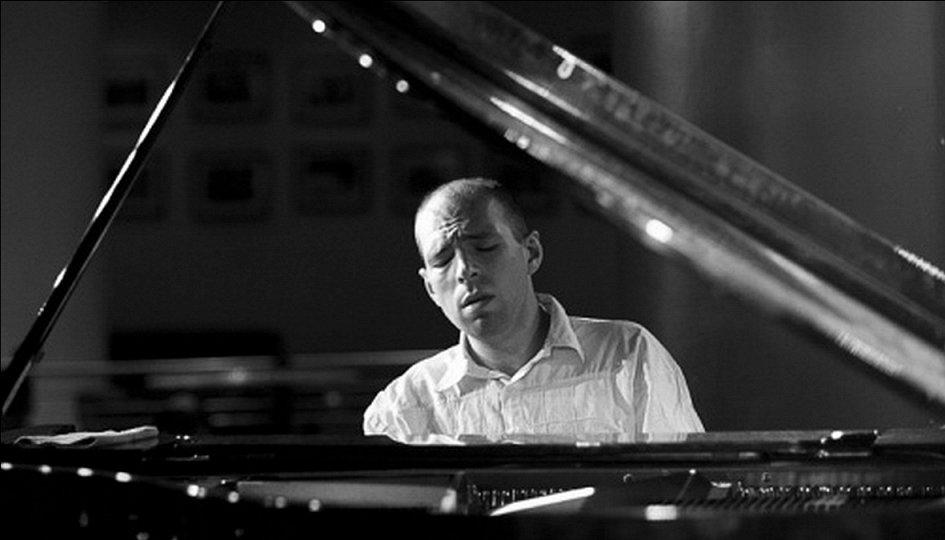 Концерты: Андрей Коробейников (фортепиано)