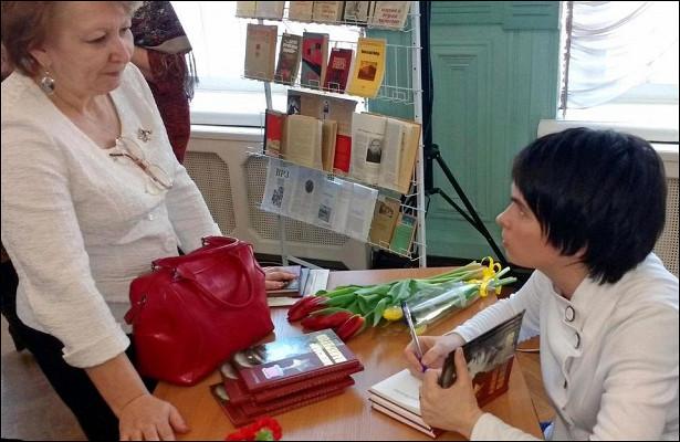 Вологжанка удостоена литературной премии закнигу обАлександре Панкратове