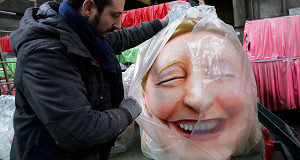Ле Пен обещает поднять Францию с колен