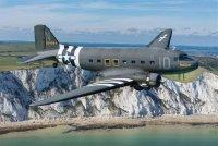 Знаменитый самолет Douglas C-47времен Второй мировой войны примет участие вWarbirds Over theBeach AirShow