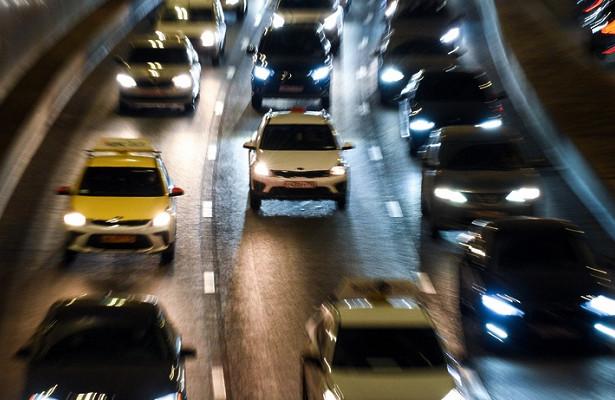 Пробки надорогах Москвы достигли 7баллов