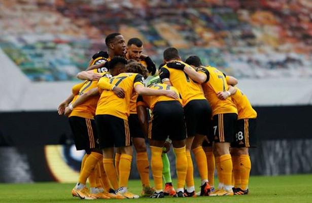 Футбольная ассоциация Англии недовольна, чтоигроки обнимаются после забитых голов