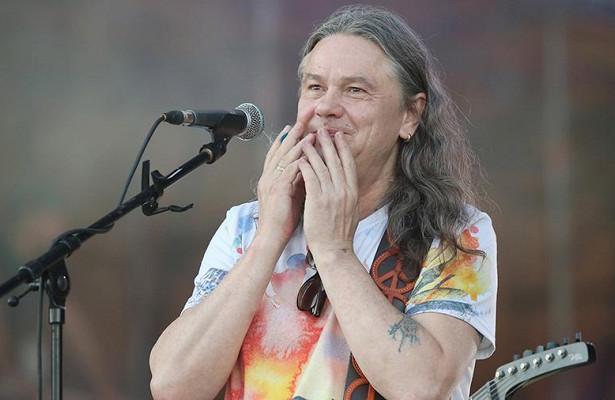 Лидер группы «Чиж& Co» Сергей Чиграков передал права набренд «Чижик» «Пятёрочке»