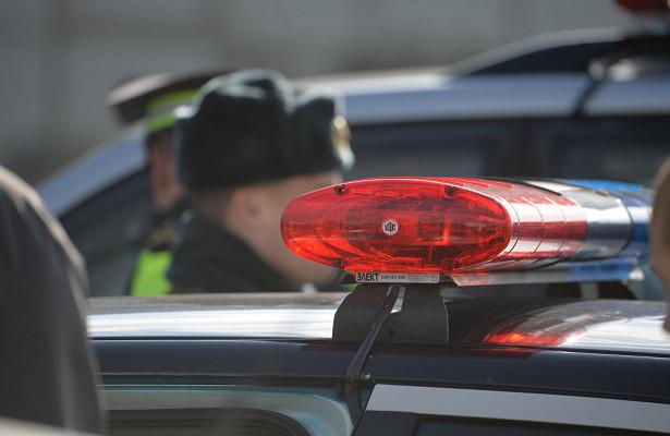 Пьяный бесправник начужом авто задним ходом протаранил машину ГАИ