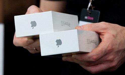 Apple претендует на «Яблоко»