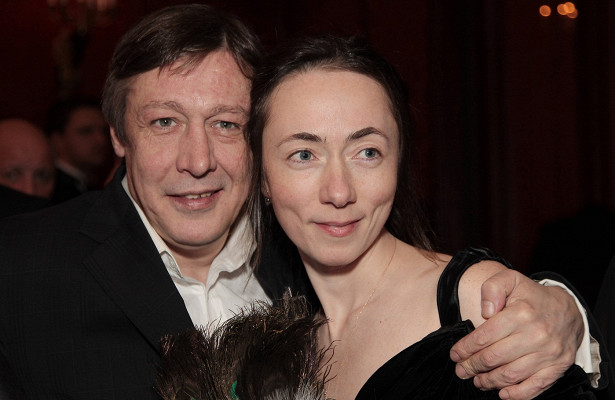 Наслуху: жена Ефремова подает наразвод