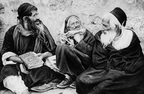 Почему иудеям запрещено спать наспине