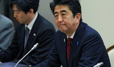 Возвращение РФ в G8 преждевременно - премьер Японии