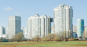 Долларовые цены на вторичное жилье в Москве снизились в 2,5 раза
