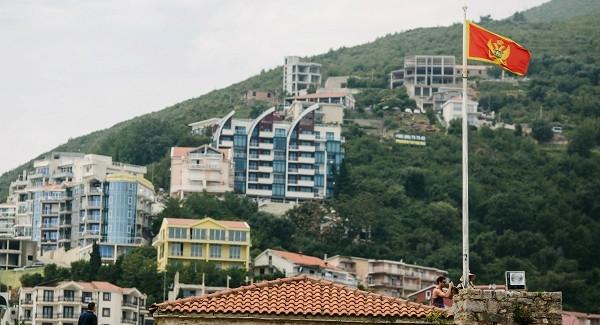 Парламент Черногории проголосовал запросербское правительство