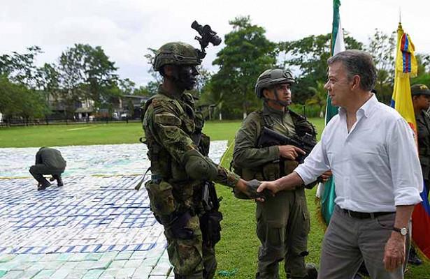 Мадуро посоветовал президенту Колумбии глотать кокаин