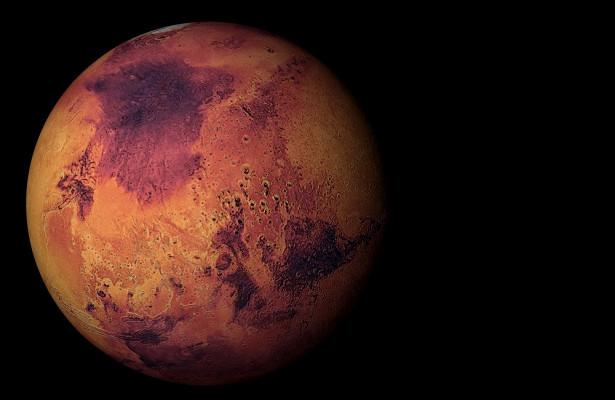 Китайский зонд прислал первый снимок Марса