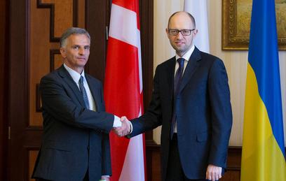 Украина встретила президента Швейцарии датским флагом