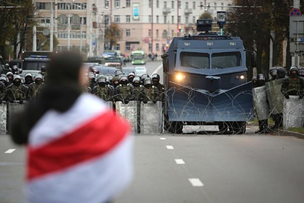 Лукашенко объявил переход кпоследним этапам протеста