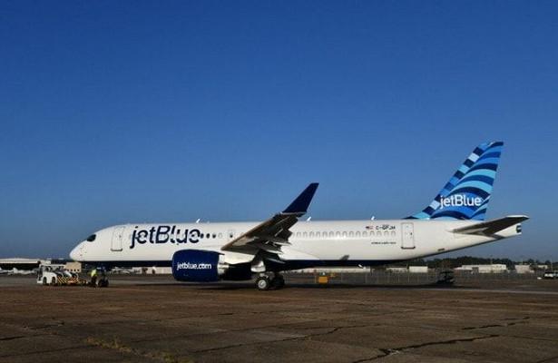 Первый вистории Airbus A220 авиакомпании JetBlue