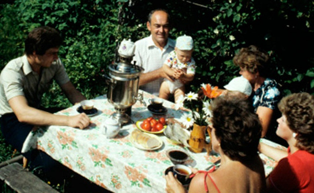Зазаслуги перед отечеством: какие подарки дарили уходящим напенсию советским гражданам