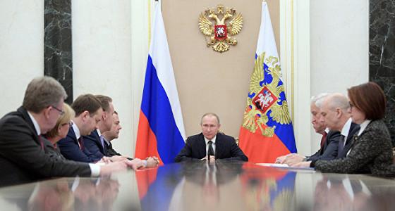 Путин призвал сохранить низкий уровень безработицы