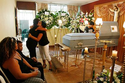 ВПеру покойник «задышал» вовремя похорон