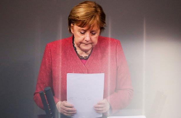 Меркель предложила выработать стратегию вотношении России