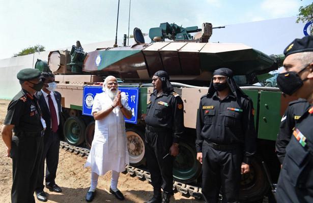 Индийские военные получили «самый дорогой танк вмире»