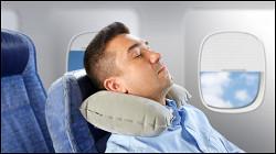 Пассажира забыли разбудить и оставили в пустом самолете
