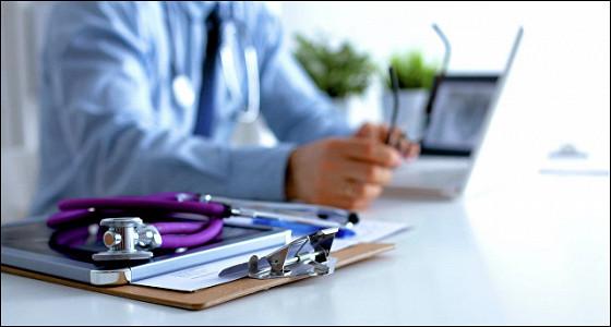 Зарплаты врачей будут повышать в два этапа в 2017 году