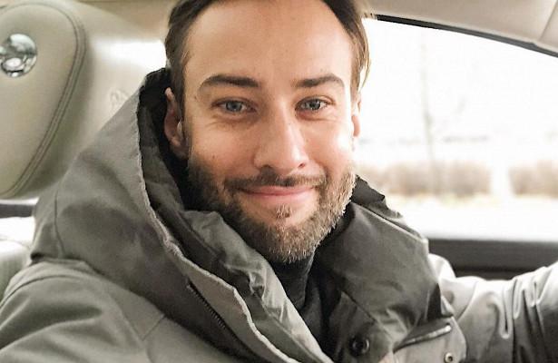 Дмитрий Шепелев показал свое детское зимнее фото