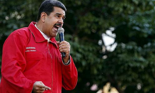 Венесуэла уговаривает Россию и Саудовскую Аравию снизить добычу нефти