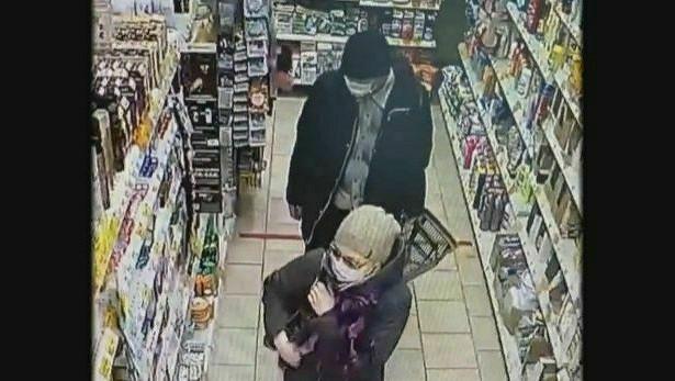 Полиция разыскивает двух кировчан, укравших продукты измагазина